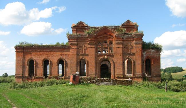 Сельская церковь не работающая с середины XX века. Нижегородская область.